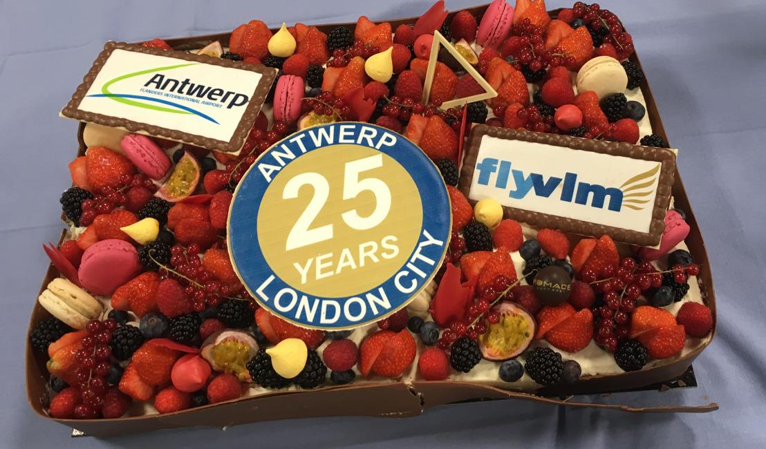 VLM viert feest! De luchtverbinding Antwerpen-London City Airport bestaat een kwarteeuw