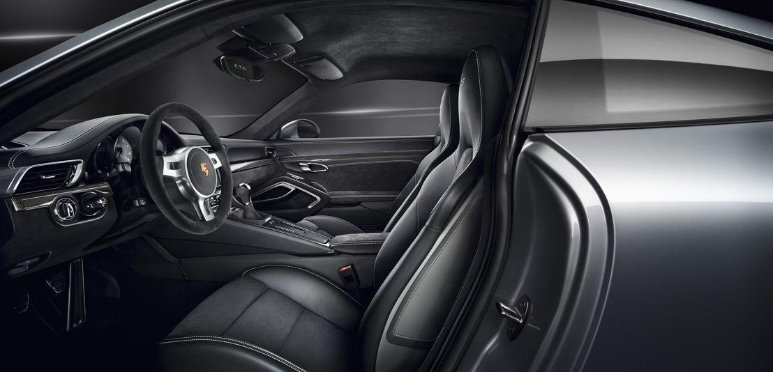 911 Carrera GTS Interior