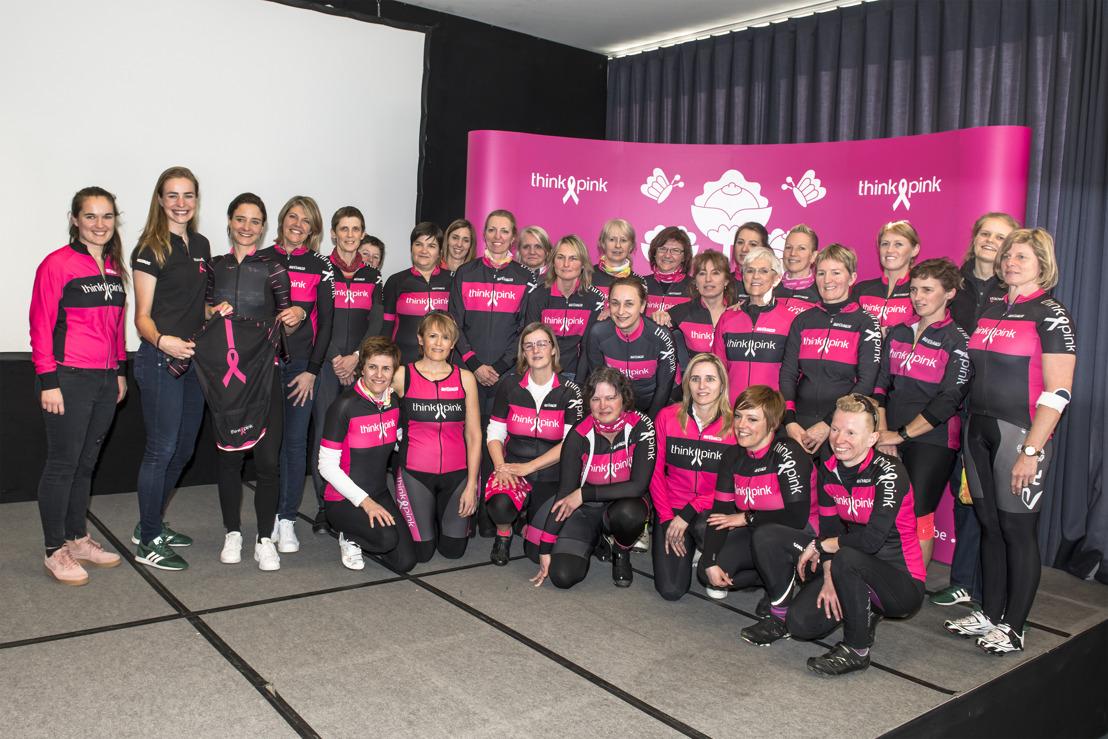 Think-Pink fait du vélo contre le cancer du sein avec le soutien de Marianne Vos