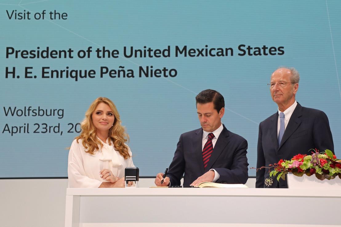 Enrique Peña Nieto, Presidente de México, visita la casa matriz de Volkswagen