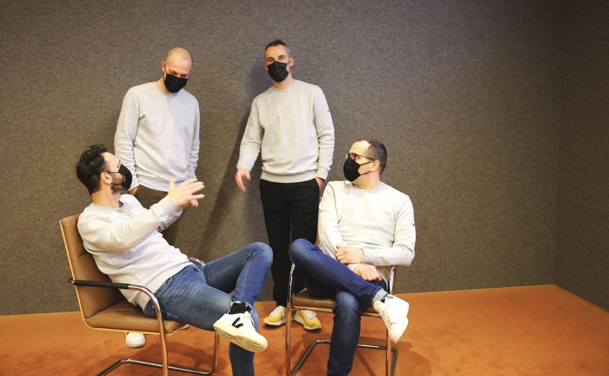 Photo (de g. à dr.): Tom Van den Bergh (CEO), Francesco Caccamese (Strategic Director), Bart Klerckx (Creative Director) et Jonathan Danko (Design Director)