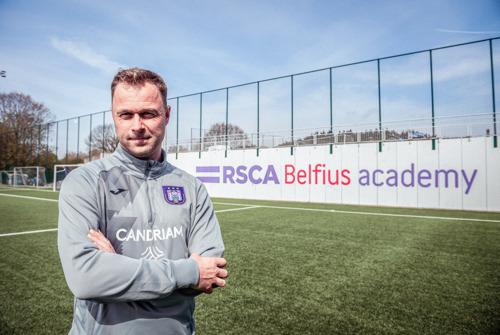 Robin Veldman wordt coach van U21 RSC Anderlecht