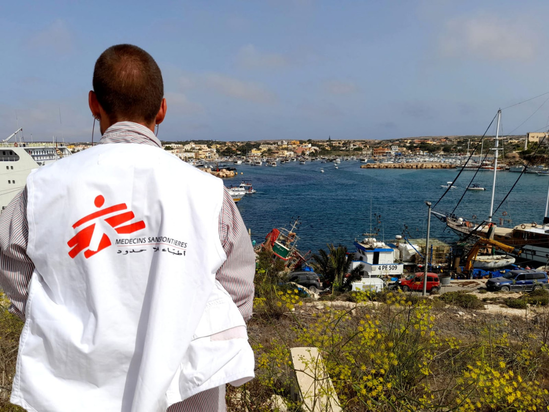 MSF begins activities on the island of Lampedusa, Italy, providing medical and psychological care to shipwreck survivors