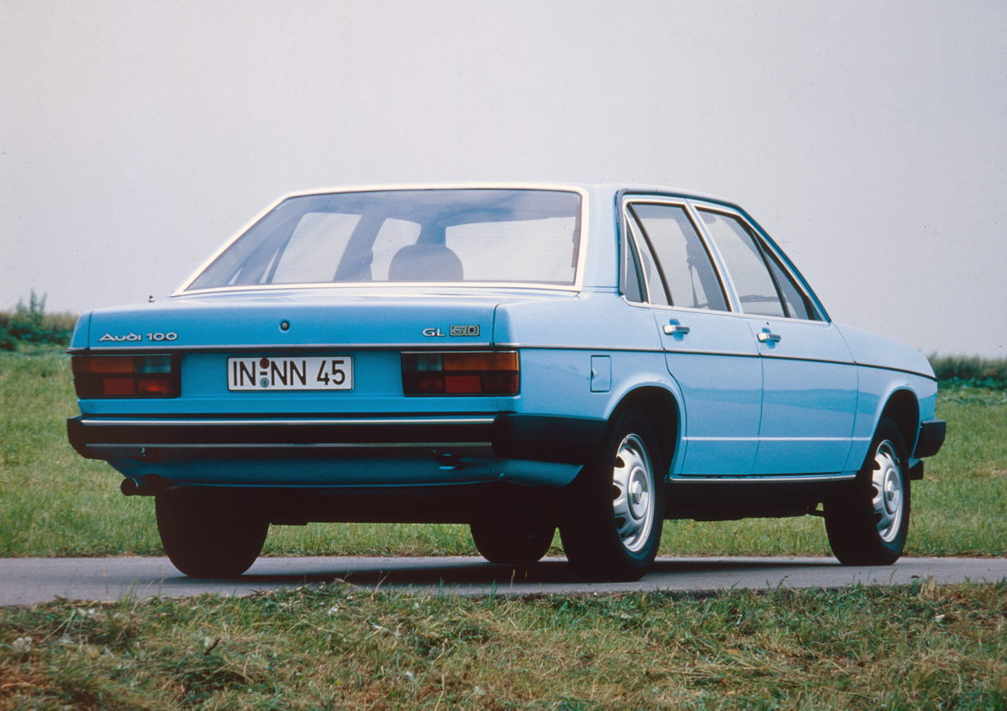 Audi 100 GL 5D (C2), model year 1978