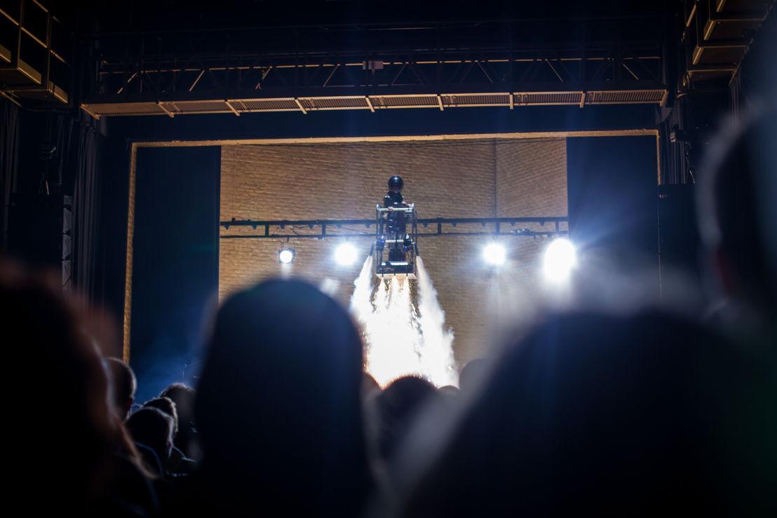 Opening 05/02/2015 raketlancering van theatermaakster Miet Warlop - foto: Morgane Delfosse