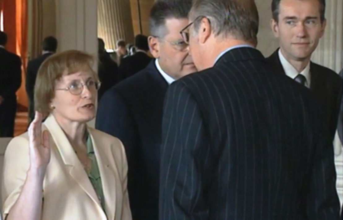 Magda Aelvoet legt de eed af als federaal minister - (c) VRT