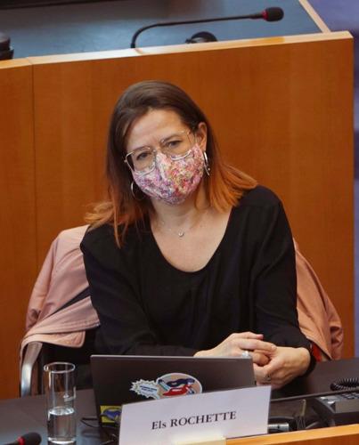 Trop peu de néerlandais dans les centres de vaccination de Bruxelles