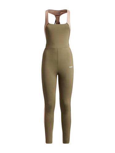 GUESS ACTIVE - FW21 - Packshots womenswear