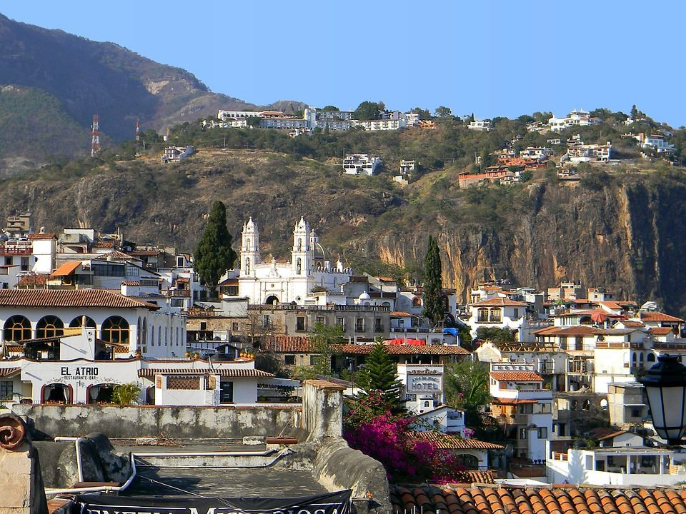 Taxco a small city and administrative center of a Taxco de Alarcón Municipality located in the Mexican state of Guerreroan.  Silverwork and tourism related to Taxco's status as a silver town is the mainstay of the economy.