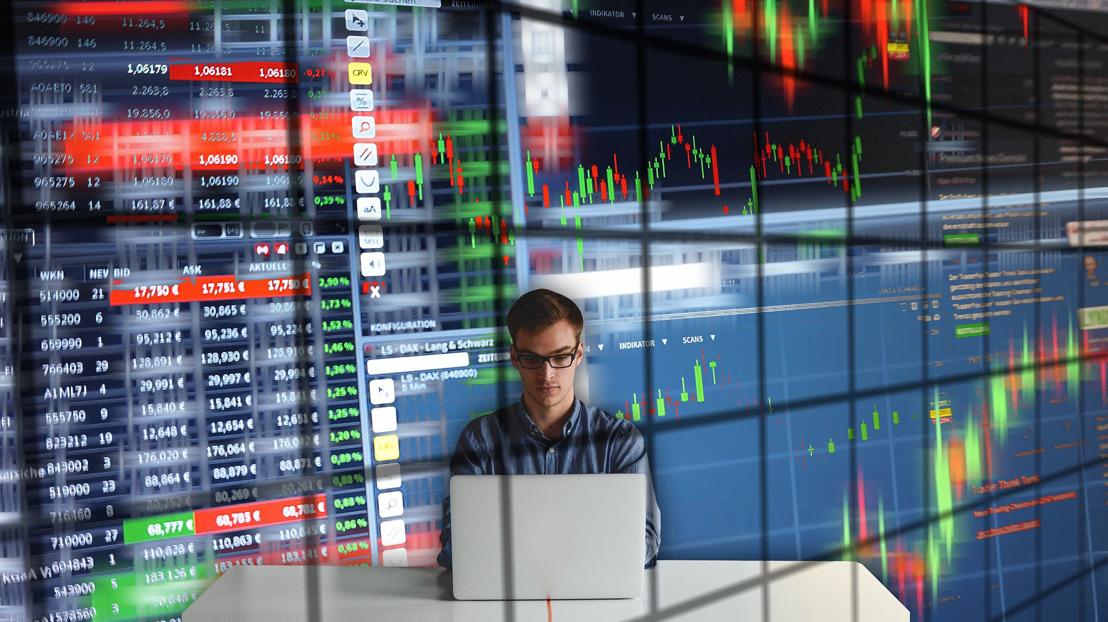 Ruim een op de vijf jongere beleggers houdt zich sinds coronacrisis meer bezig met beleggingen