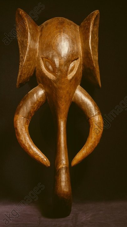 Animal mask (elephant's head)<br/>West African, Bali, Cameroon,<br/>Wood, length 71.5cm.<br/>London, British Museum.<br/><br/>AKG581781