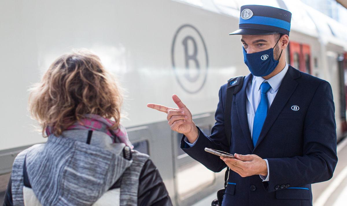 Les collaborateurs sur le terrain doivent être facilement reconnaissables par le voyageur © SNCB