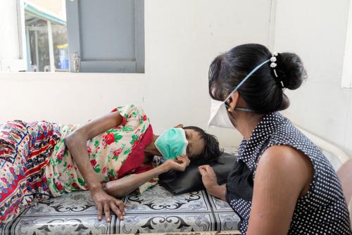 Hiv-rapport van Artsen Zonder Grenzen: de financiering in de strijd tegen hiv en tuberculose moet aan de realiteit worden gespiegeld en worden versterkt