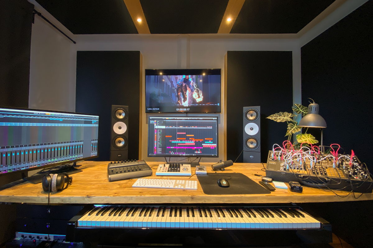 Ali uses an Amphion Two18 pair and BaseOne25