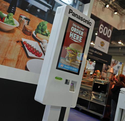 Panasonic presenta en ABASTUR 2018 sus innovadoras soluciones para restaurantes y QSR