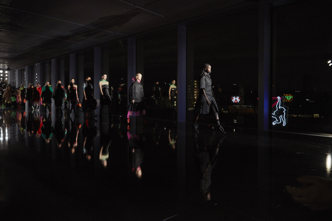"""Prada Show Space """"Nocturne"""" Fall / Winter 2018 para mujeres"""