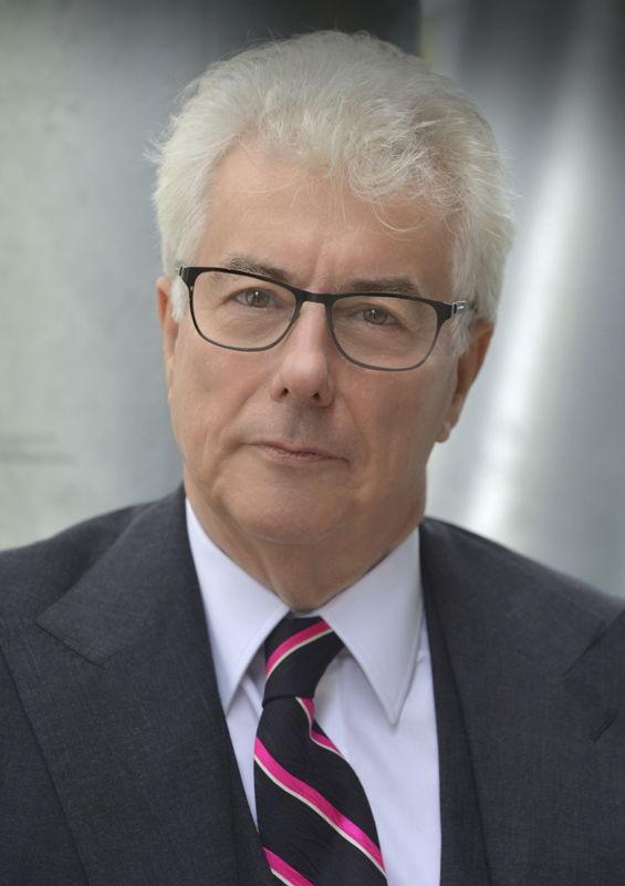 Mit seinen Historienromanen ist Ken Follett zum erfolgreichsten europäischen Autoren geworden.