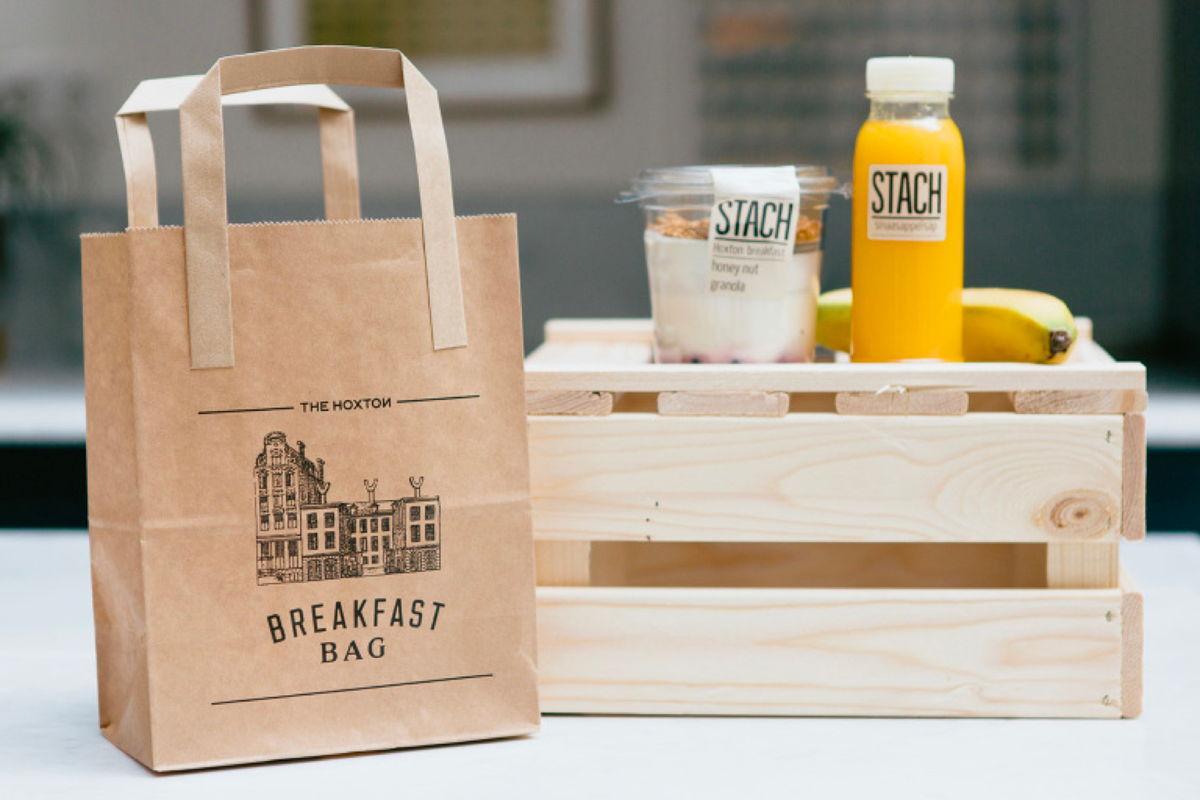 Gratis snel ontbijt op de kamer/to-go als alternatief voor uitgebreid ontbijt (beeld: The Hoxton)