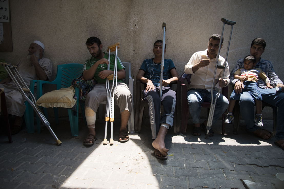 Waiting area for men in Khan Yunis clinic. Photographer: Aurelie Baumel