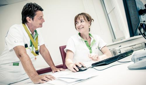 L'UZ Brussel compte un nombre exceptionnellement élevé de candidats pour venir travailler à l'hôpital en 2020, mais note dans le même temps une grave pénurie d'infirmiers plus techniques.