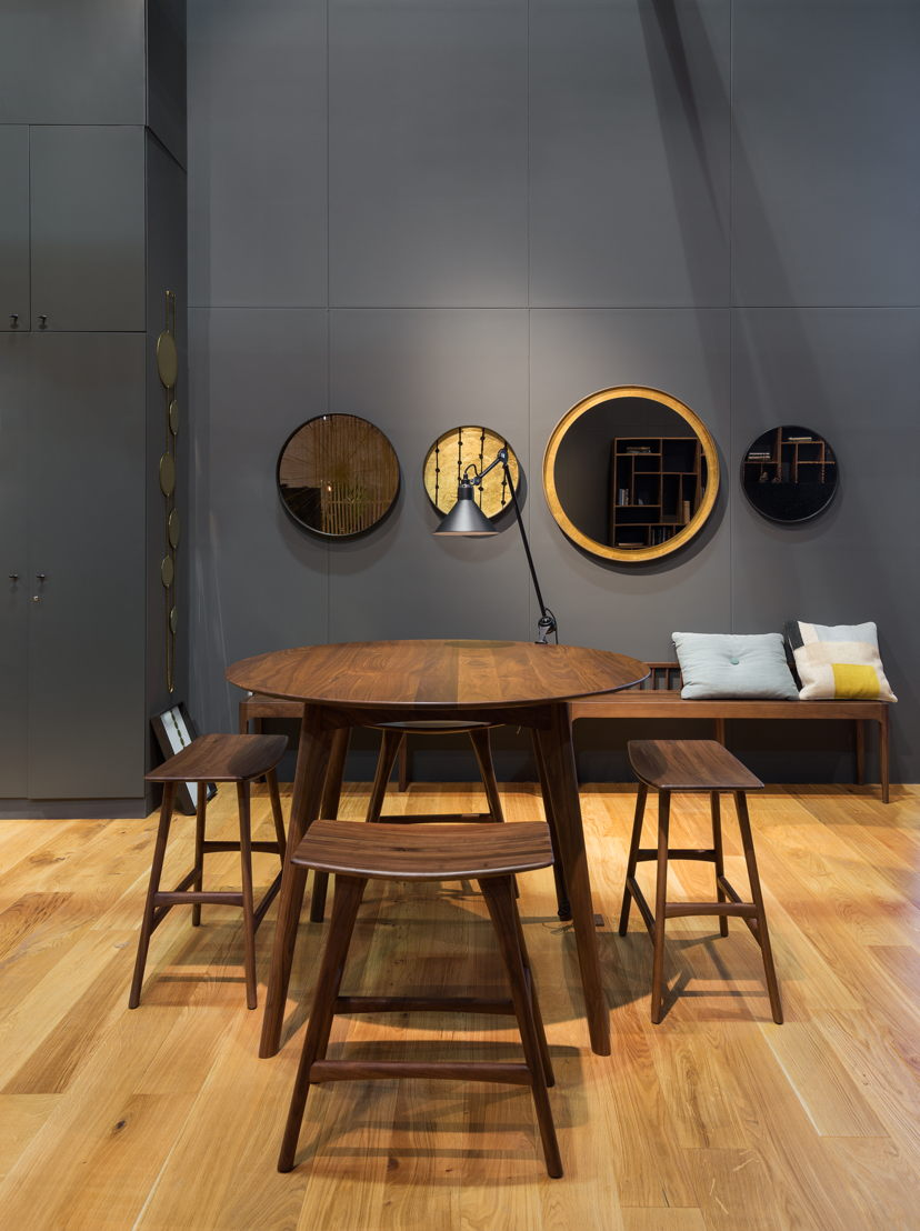 Ethnicraft Salone del Mobile 2017 - Ethnicraft walnut osso dining table and stools - Notre Monde Mystic Gold tray collection