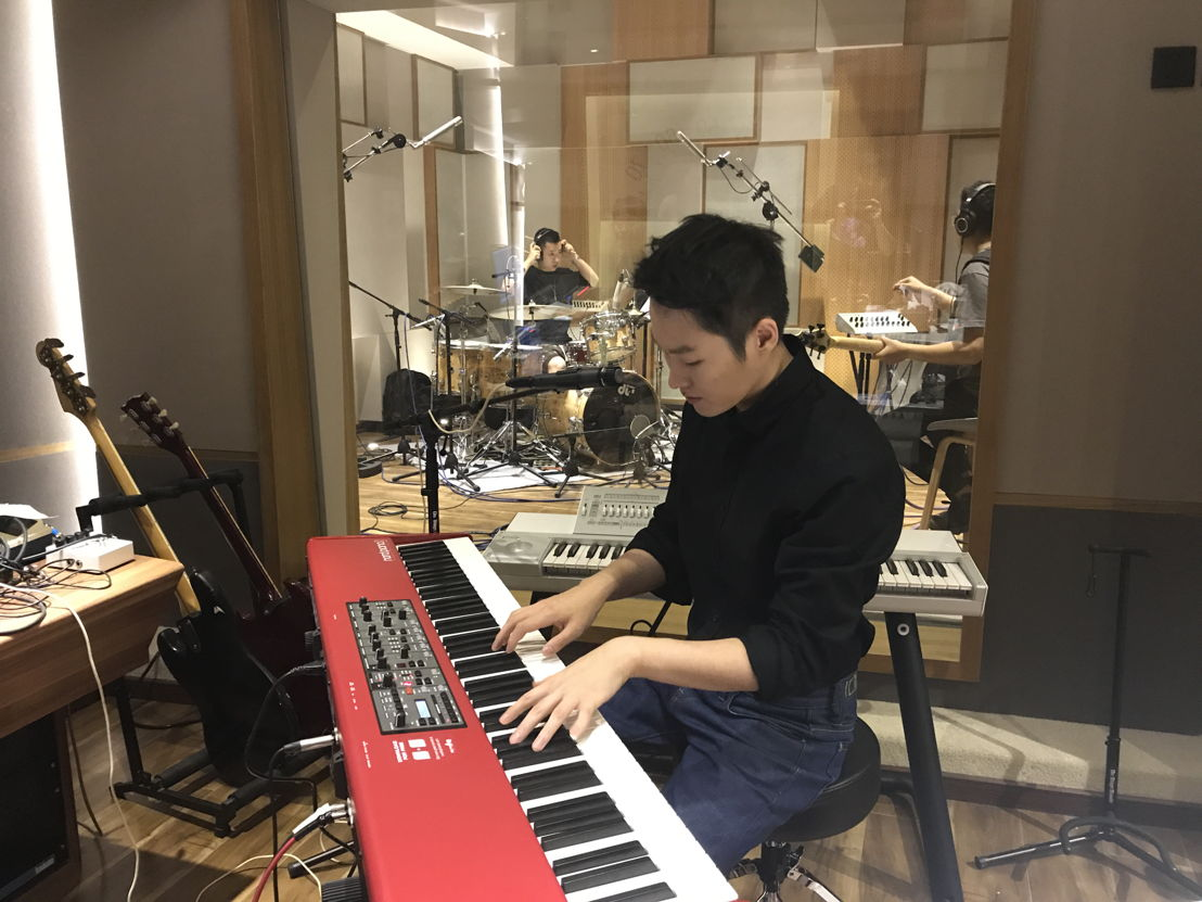 Top China star Bruce Liang with his band at 55TEC Studios