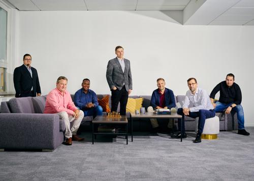 Intracto Group zet volgende stap in Scandinavië met digital agency Awave