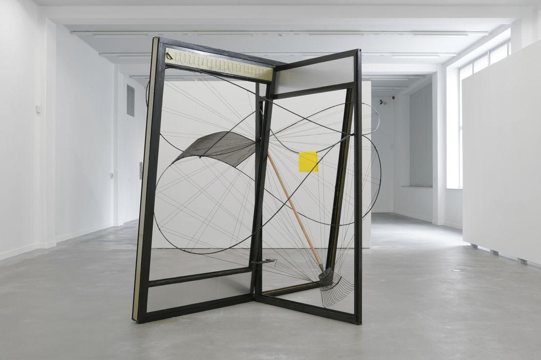 Johan Gelper<br/>Objects in a spheric theme, 2014 / 2015 (c) Isabelle Arthuis