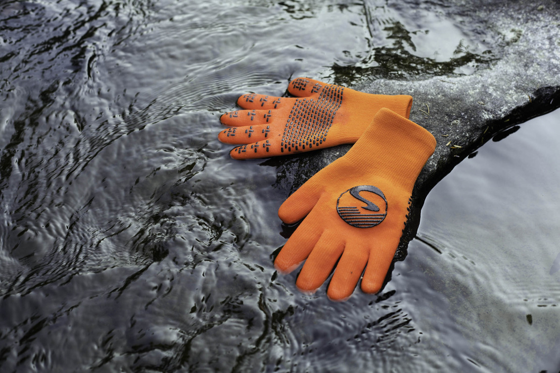 Showers Pass Releases New Lightweight Waterproof Gloves & Socks