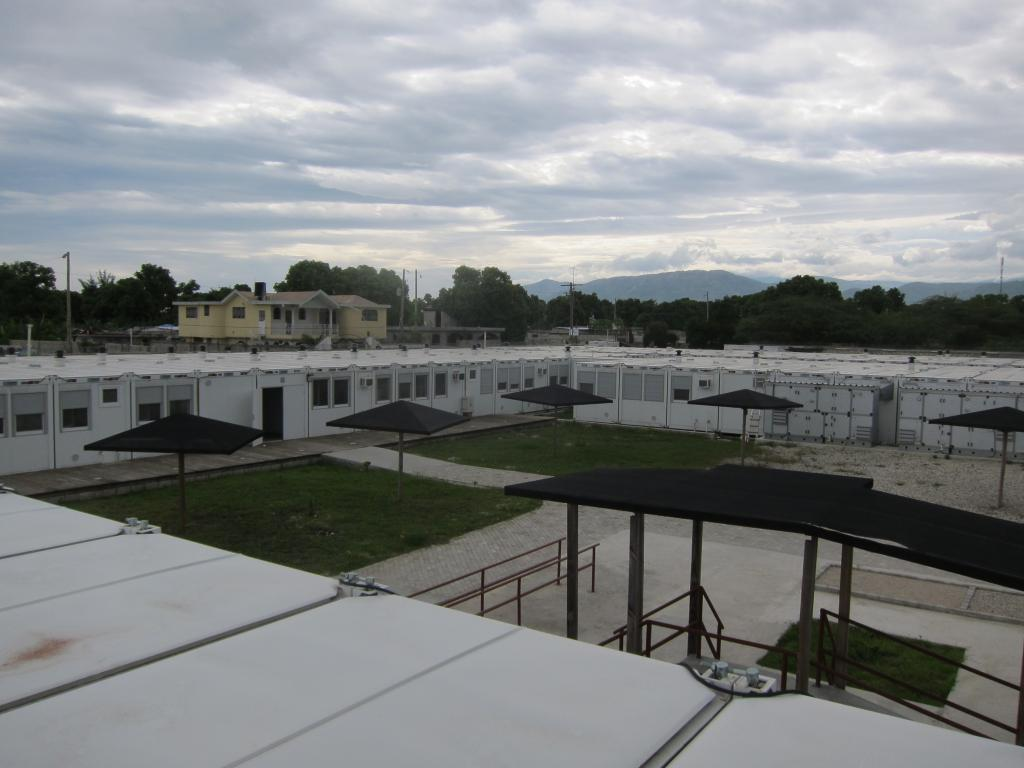 Tabarre hospital comprises 280 prefabricated containers assembled to create an emergency surgery referral centre with 121 inpatient beds and 3 operating theatres. © Elvina Motard/MSF