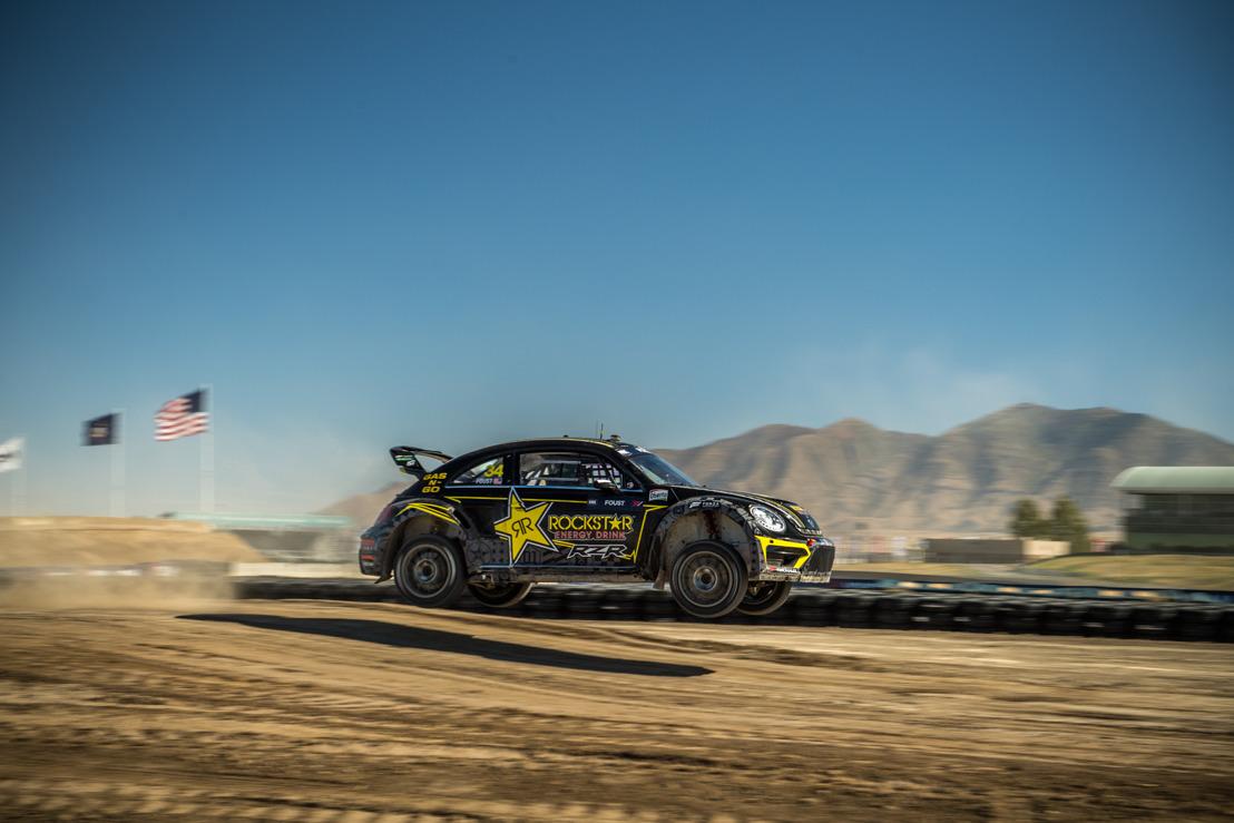 Tanner Foust obtiene un lugar en el podium después de un gran esfuerzo en el evento inaugural de Nitro Rallycross