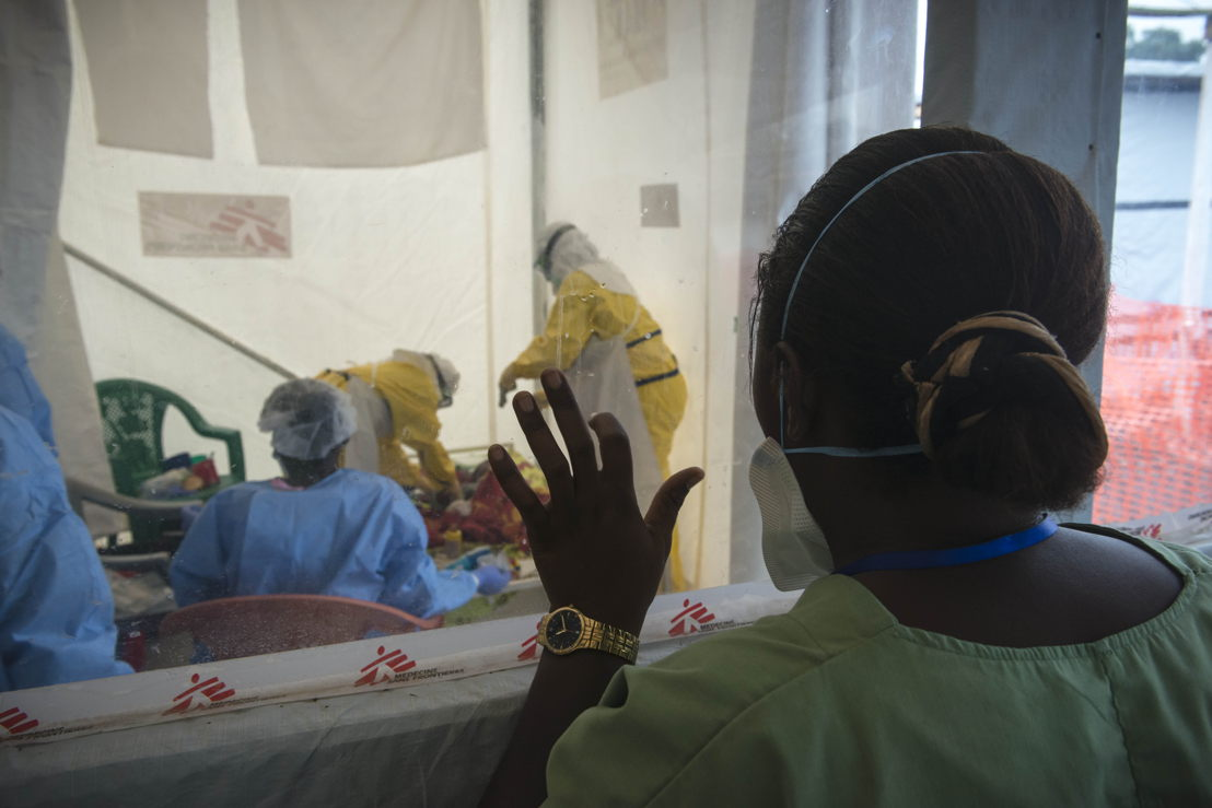 MSF Ebola Medical Centre in Freetown opened mid-december within Prince of Wales school compound. The capital of Sierra Leone is today one of the main Ebola hotspots in West Africa. Photographer:  Yann Libessart/MSF