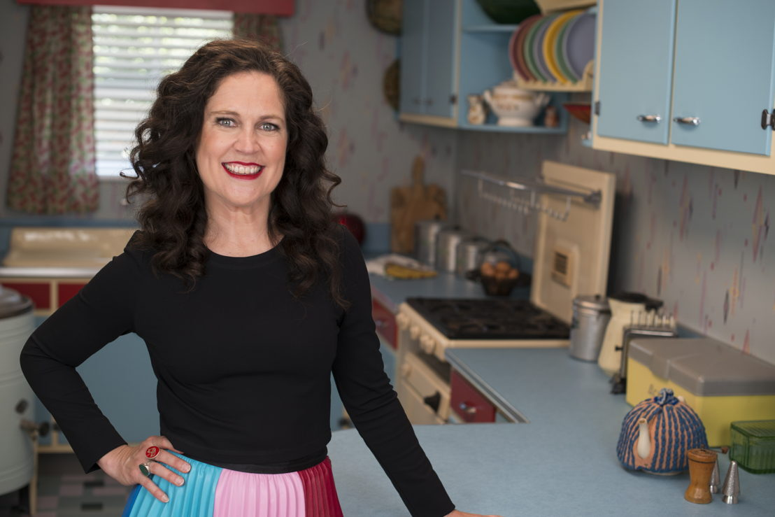 High-res image of Annabel Crabb host of Back in Time for Dinner in the Ferrone 1950's kitchen