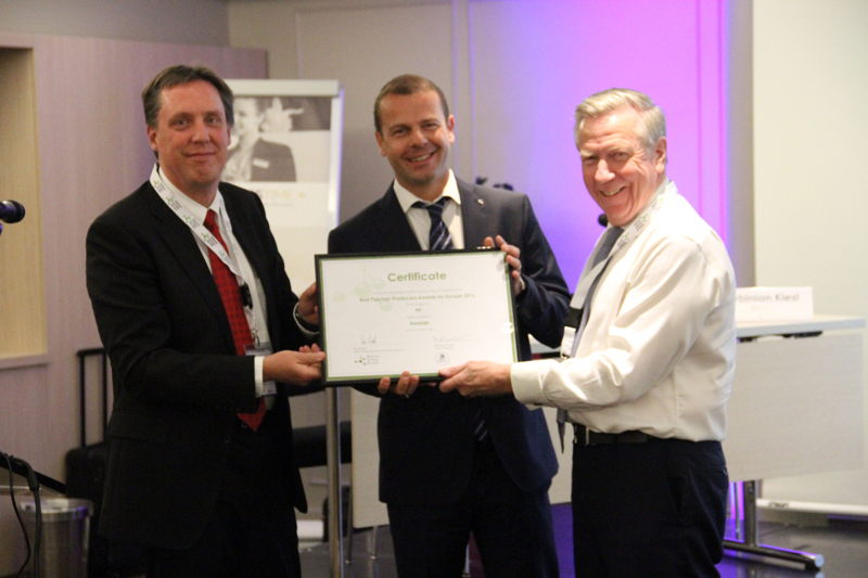 Winner in category PP: Borealis represented by Eric Marohn & Franck Lagoutte. Award handed by Ron Marsh, Chairman Polymers for Europe Alliance.