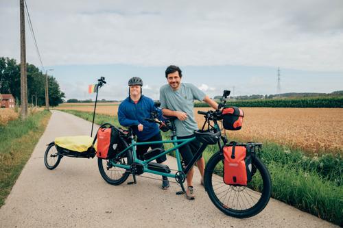 Preview: Down the sea: Dieter Coppens en Kevin gaan op fietsavontuur naar de zee