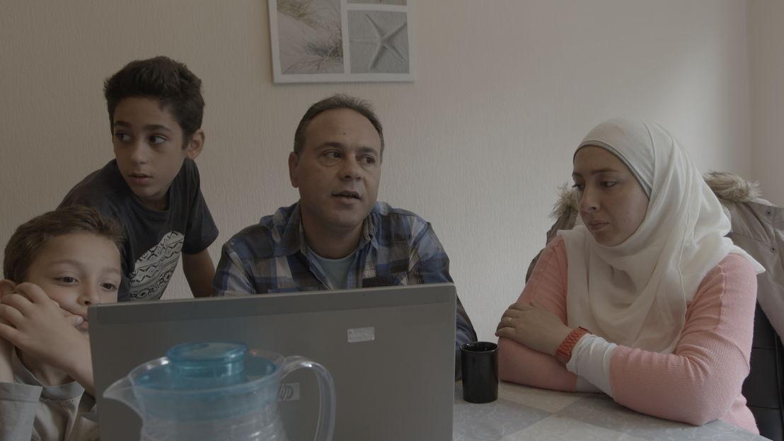Koppen: Samir en zijn familie (c) VRT
