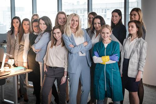 Kobiety pracują za darmo ponad dwa miesiące każdego roku - mówi OLX w najnowszej kampanii