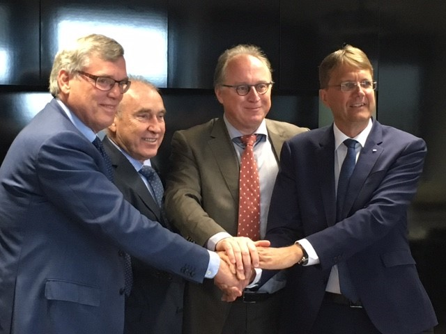 From left to right: Bert van der Elst (former CEO Heijmans Group), Johan Beerlandt (Chairman of the Board of Directors, BESIX Group), Jean Polet (General Manager BU Europe, BESIX Group), Rik Vandenberghe (CEO BESIX Group)