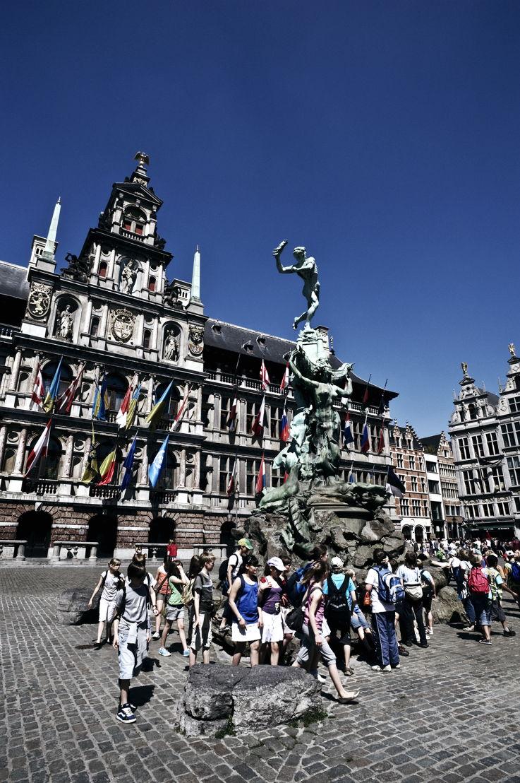 Grote Markt ©Antwerp Tourism & Conventions - Dave  van Laere