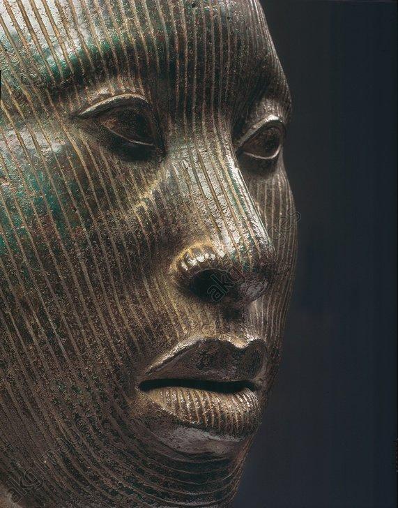 Head of an Oni (King), detail.<br/>West Africa, Yoruba, Ife, Nigeria,<br/>12th - 13th Century.<br/>Bronze.<br/>Ife Ife (Nigeria), National Museum.<br/><br/>AKG3108541