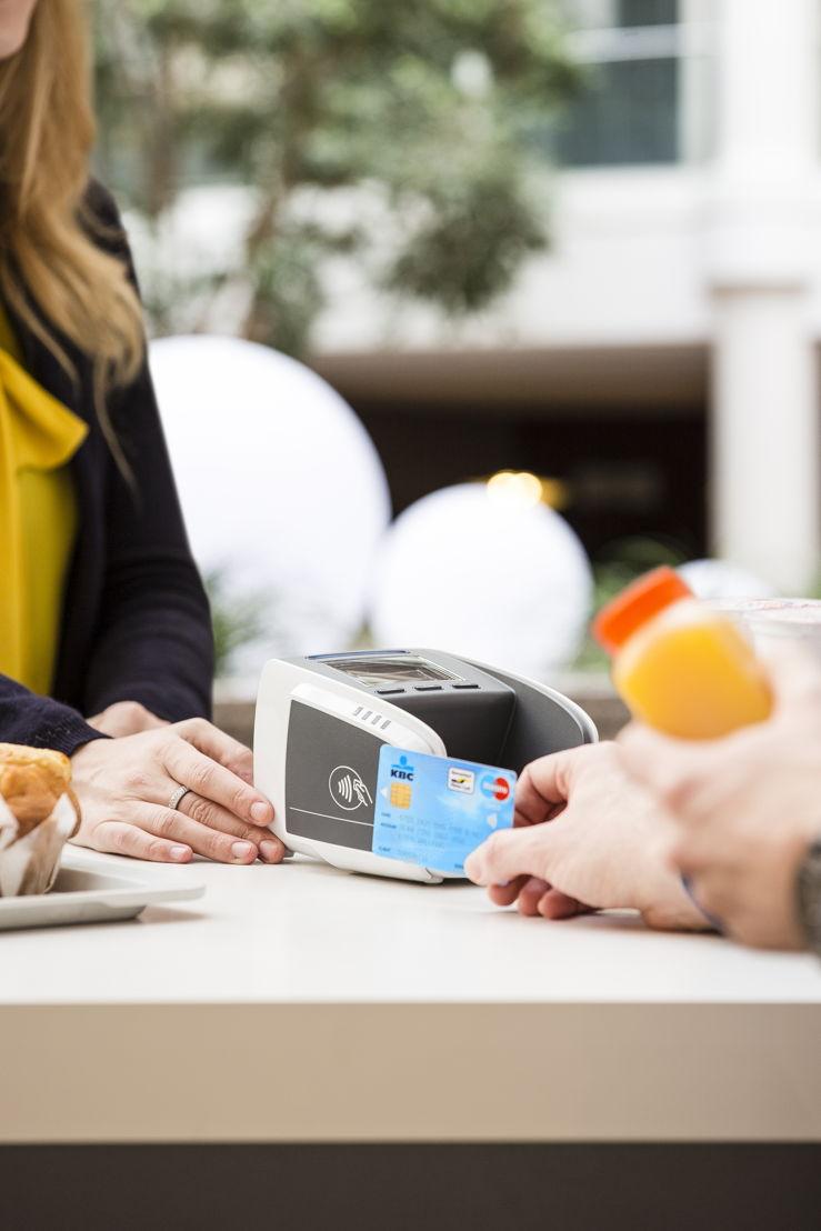 Payer sans contact terminal