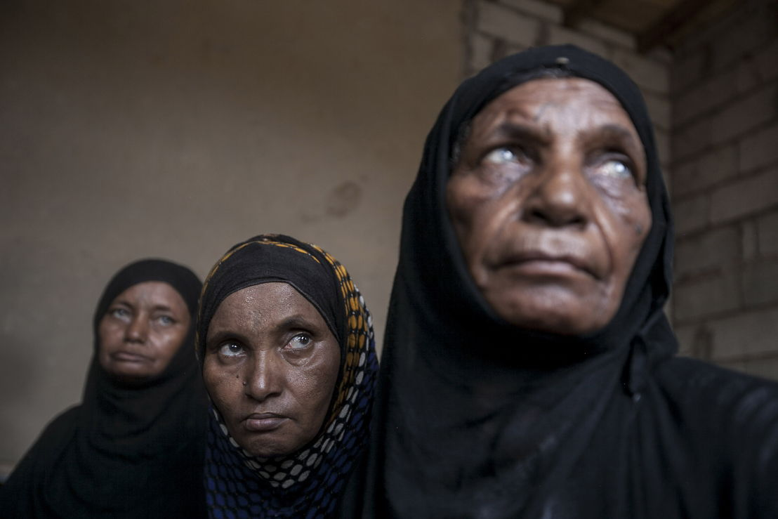 Displaced women from the heavy fighting in Sa'bah governorate are seen in a temporary settlement at the outskirts of Beni Hassan, in Hajjah province, Northwest of Yemen. Photographer: Narciso Contreras