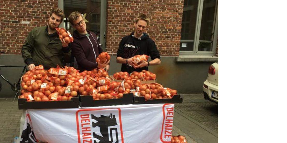 Start-up Daltix en Delhaize delen gratis uiensoep uit in Gent