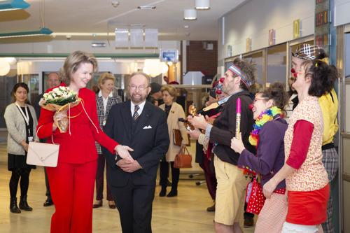 Communiqué de presse : La Reine Mathilde a rendu visite aux patients et au personnel de l'Hôpital Universitaire des Enfants Reine Fabiola