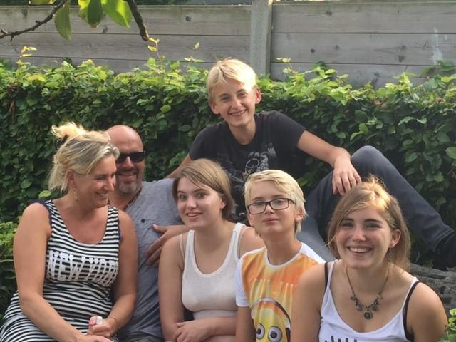 De familie Antheunissens Hallo televisie (c) VRT