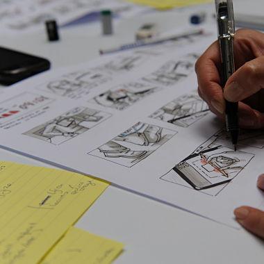 Storyboard voor een applicatie voor brandweerinterventies. Tekening: Nádia Da Mota Ferreira, Fotografie: Peter Vermaercke, Namahn. Kristel Van Ael & Joannes Vandermeulen, Namahn - Henry van de Velde Lifetime Achievement Award 16
