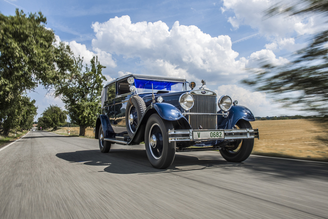 Eye-catcher at the ŠKODA Museum: Top model ŠKODA 860 with eight-cylinder engine shines in new splendour