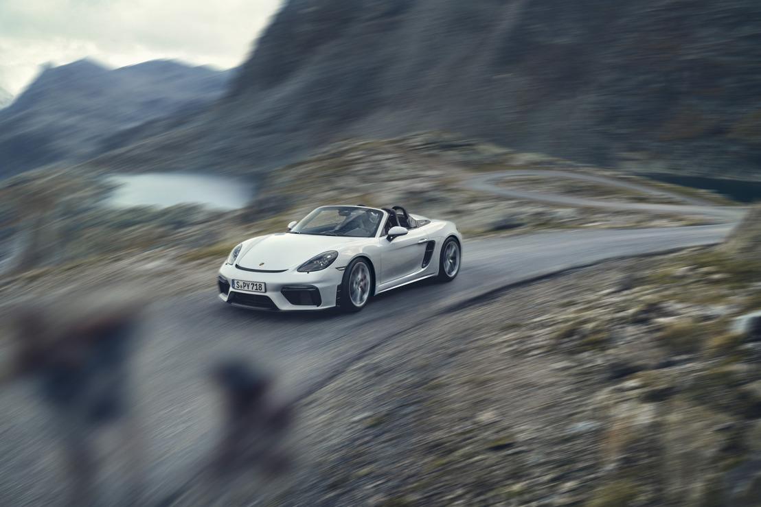 De nouvelles voitures de sport hautes performances à moteur atmosphérique : les Porsche 718 Spyder et 718 Cayman GT4