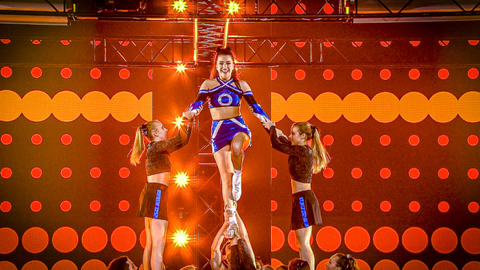 No pain, no gain voor cheerleaders Olga Leyers en Margaux in BEAT VTM