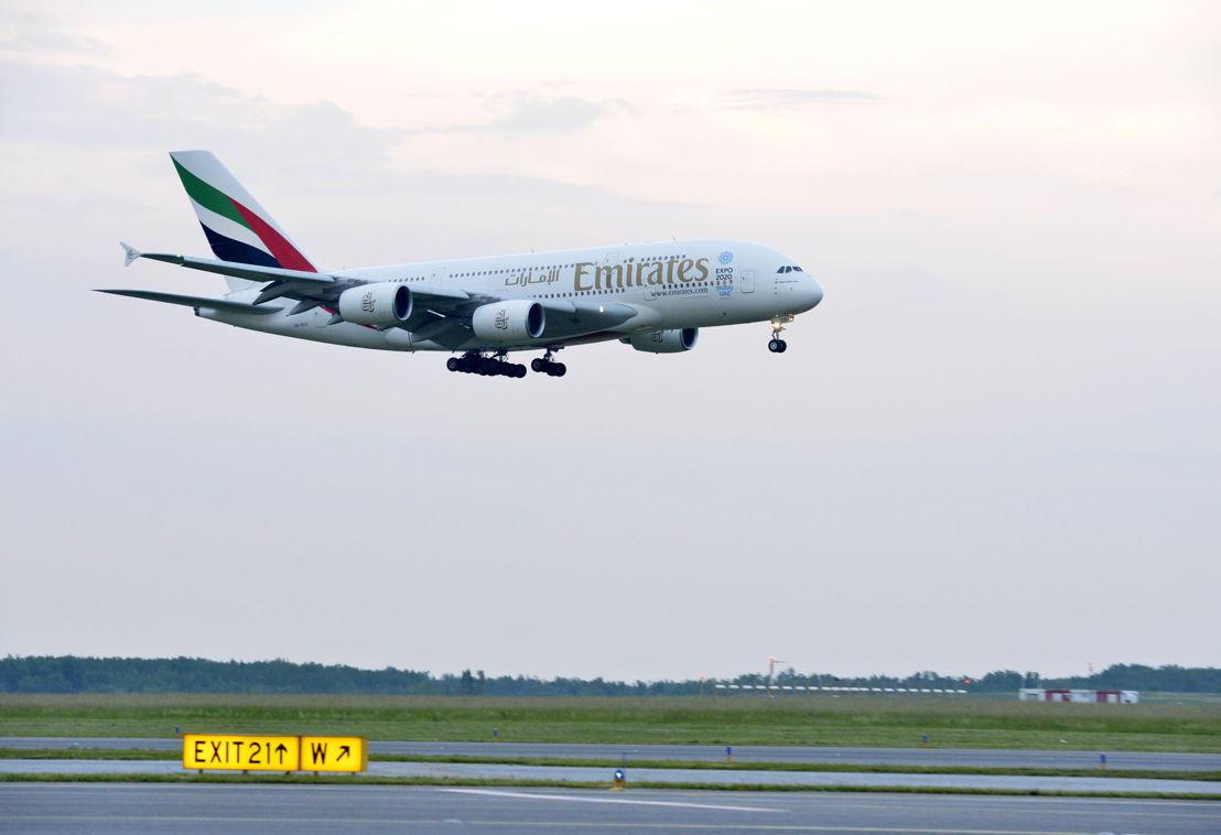 Emirates A-380 landing in Vienna